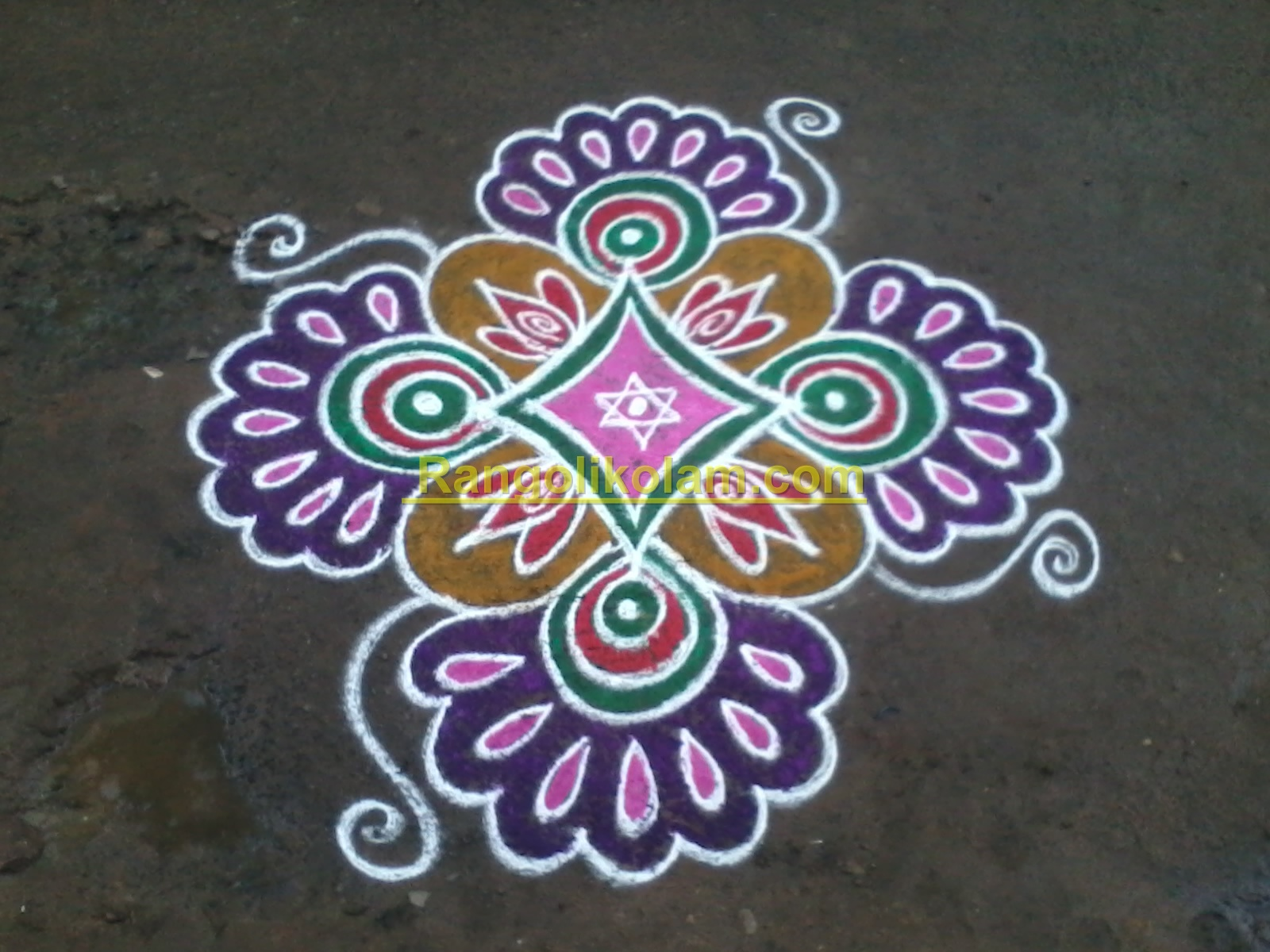 Colourful design kolam