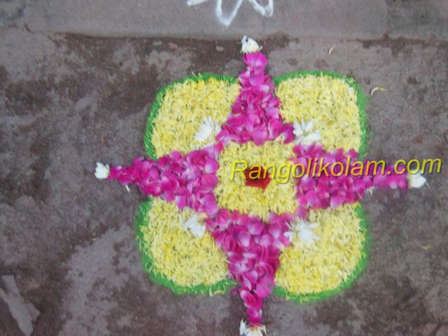 Small flower kolam