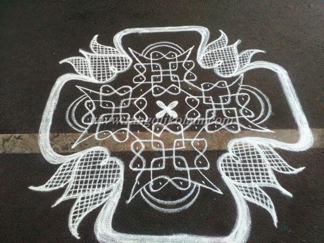 sikku-kolam-with-dots